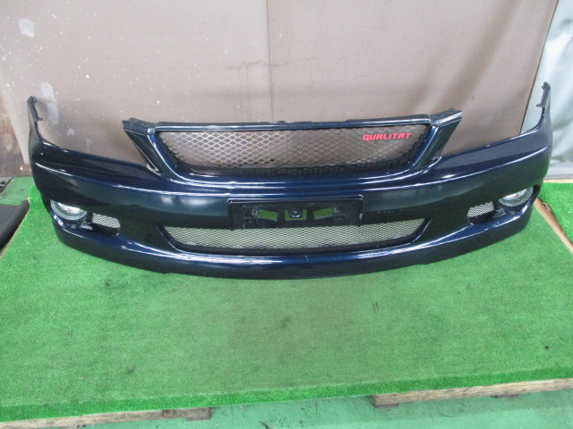 トヨタアルテッツァSXE10フロントバンパーの写真